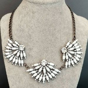 White and crystal flower necklace